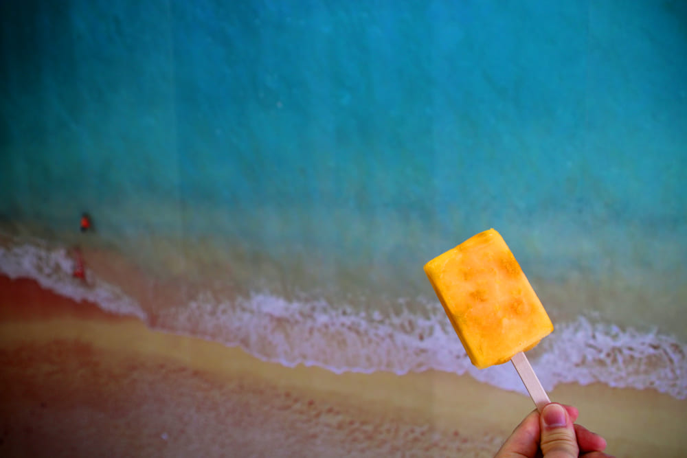 海でアイス